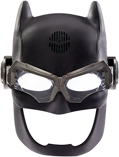 DC-Justice-League-Batman-Voice-Changing-Tactical-Helmet-Action-Figure-0