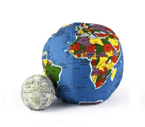 Pocket-Hugg-A-Planet-Earth-and-Moon-2-Piece-Bundle-Set-0