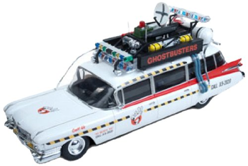 Round-2-Ghostbusters-Ecto-1-125-Scale-Model-Kit-0-0