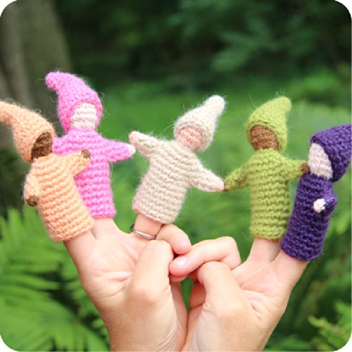 Camden-Rose-Knitted-Wool-Gnome-Finger-Puppets-6-with-Stand-0-1